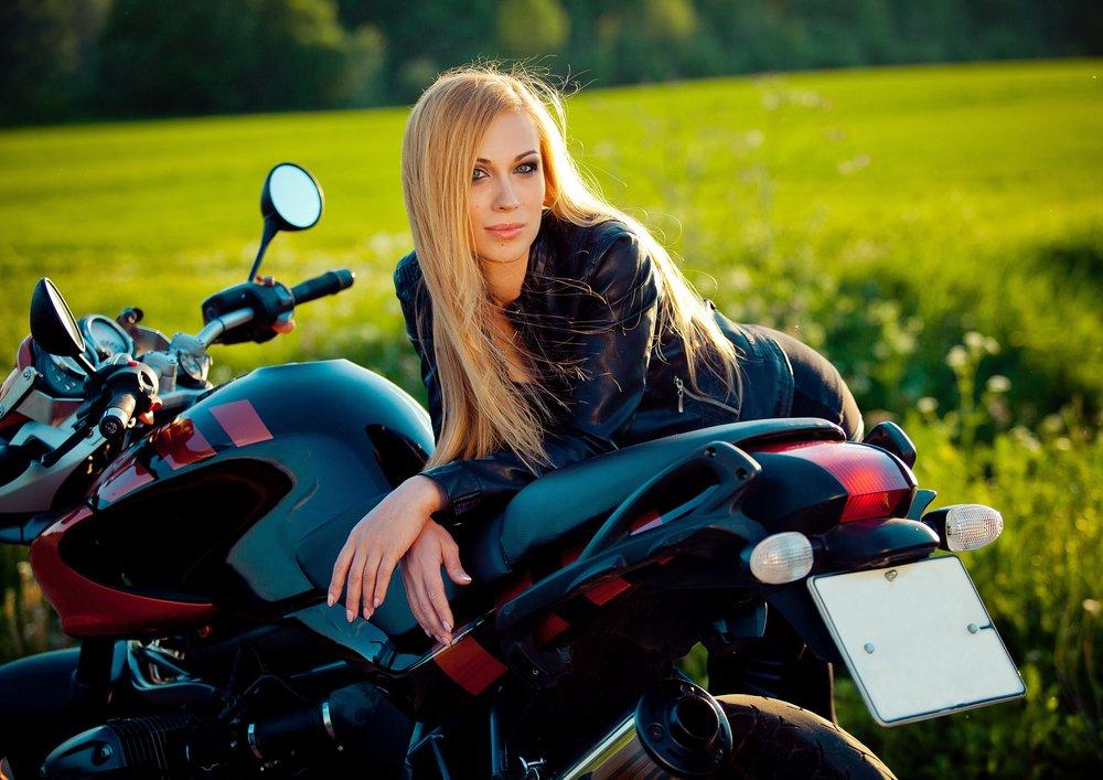 mulheres que pilotam moto, Mulheres que pilotam moto são mais felizes, Alba Moto