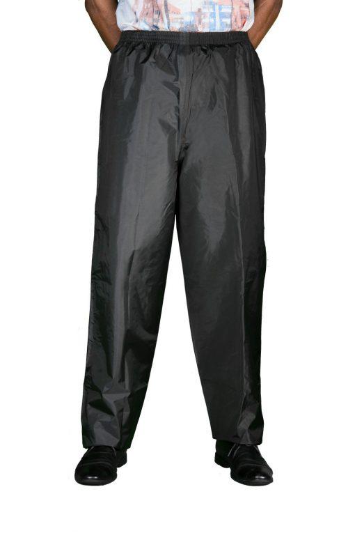 modelo usando calça alba moto