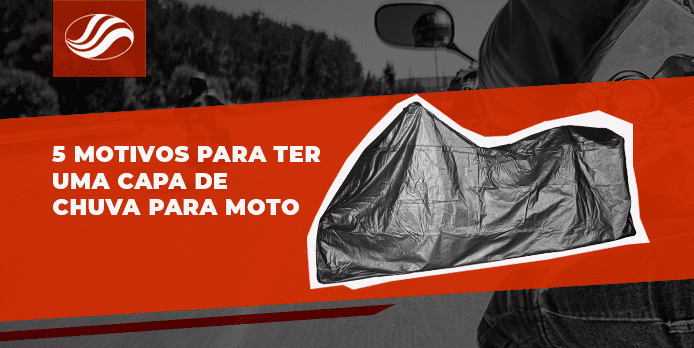 Moto usando capa de chuva para moto alba